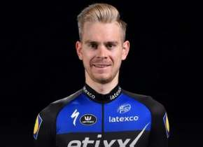 Tour of Britain: Vermote wins second stage