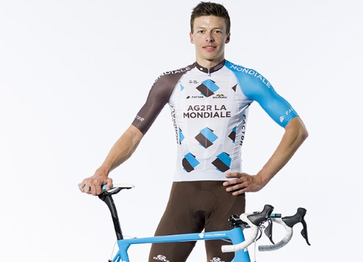 Tour de France - Oliver Naesen saves the day for Romain Bardet