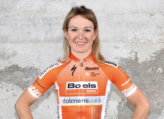Amy Pieters wins the third stage of Emakumeen XXXI. Bira