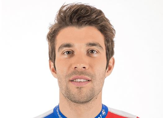 Reports: Exhausted Thibaut Pinot rushed to hospital